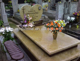 Various Size Poland Style Kashmir Gold Granite Tombstone Prices