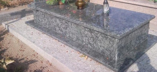 European Style Polished Granite Monument Tombstone of Oliv Green