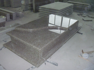 G664 Bainbrook Brown Granite Tombstone and Monument for Poland