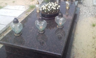 European Style Polished Granite Monument Tombstone of Tan Brown